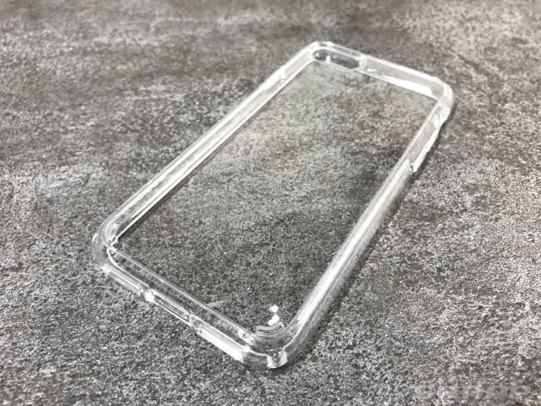 透明度が高いクリアケース。